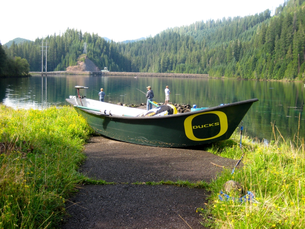 Trail bridge reservoir fishing camping hiking for Fishing eugene oregon